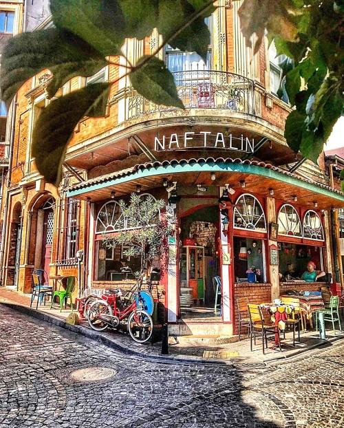 Cafe-Naphthalene.jpg